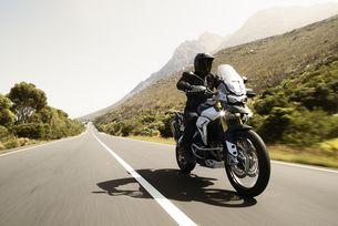 Harley-Davidson и Triumph – класика в жанра