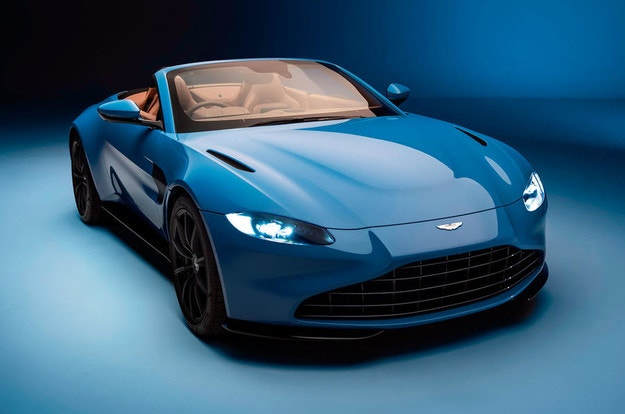 Aston Martin Vantage с открита версия Roadster