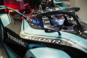Jaguar триумфира и в спорта