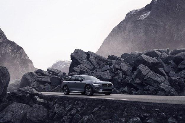 Volvo Cars представи обновените модели S90 и V90
