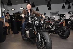 Асен Блатечки пробва уникален мотоциклет