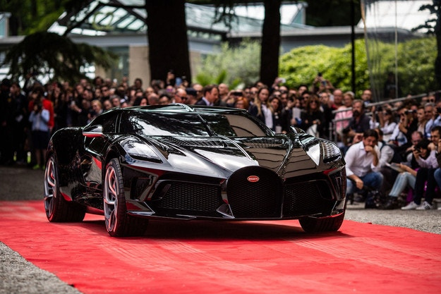 Фотосесия събра автомобили Bugatti за 33 млн. евро