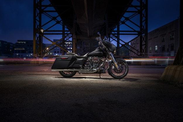 Harley-Davidson представя нов bagger стил