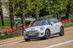 Пазарна премиера на MINI Cooper SE в България