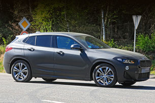 Заснеха обновения кросоувър BMW X2 отблизо