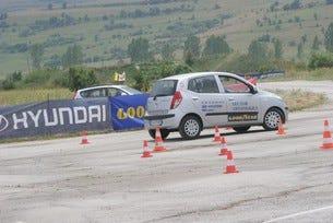 Академия за безопасно шофиране отвори врати в София