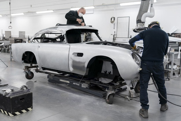 Произвеждат Aston Martin DB5 Goldfinger Continuation