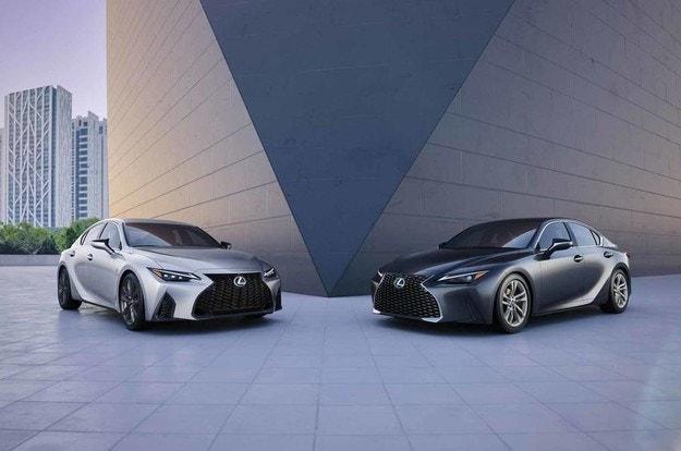 Още по-спортно излъчване за новия Lexus IS