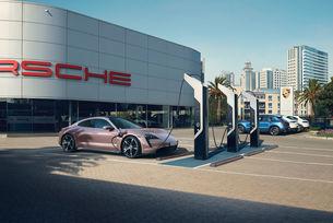 Започват продажбите на Porsche Taycan в Китай