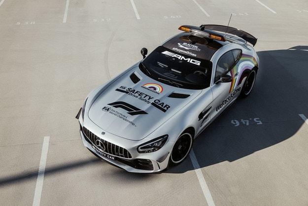 Mercedes-AMG представи автомобила за сигурност