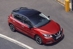 Леко промениха хечбека Nissan Tiida за Китай
