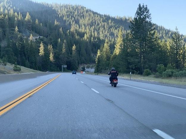 Американец покори разстоянието от Мексико до Канада с електрически Harley-Davidson