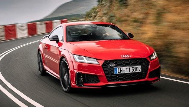 Спортните Audi TT и R8 ще станат електрически