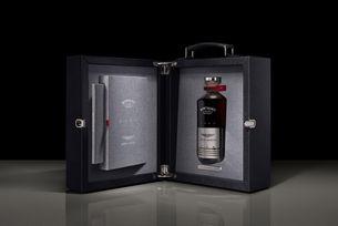 Лукс: Уиски Black Bowmore DB5 1964