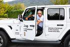 Христо Стоичков избра легендарния Jeep Wrangler