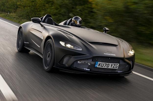 Новият Aston Martin V12 Speedster на финални тестове
