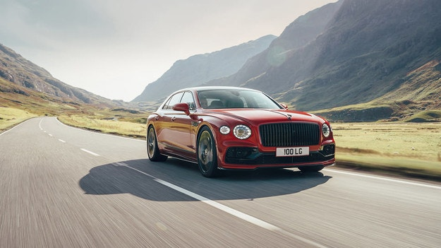 Bentley Flying Spur получава версия с V8