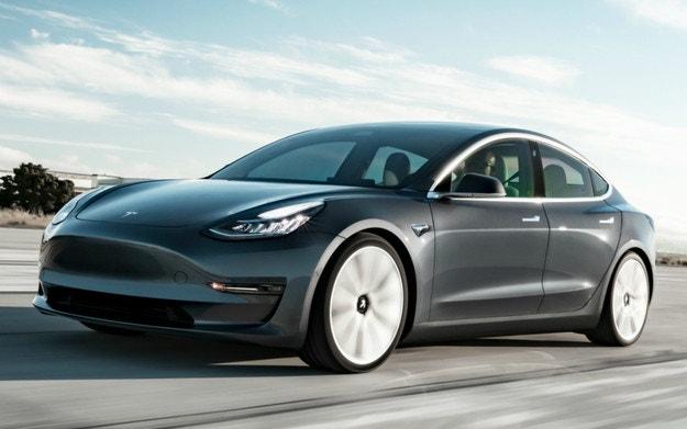 Обновиха най-достъпния модел на Tesla