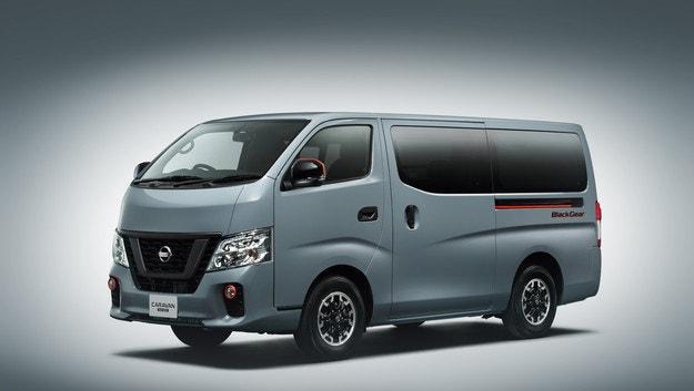 Ванът Nissan NV350 Black Gea e едно бижу