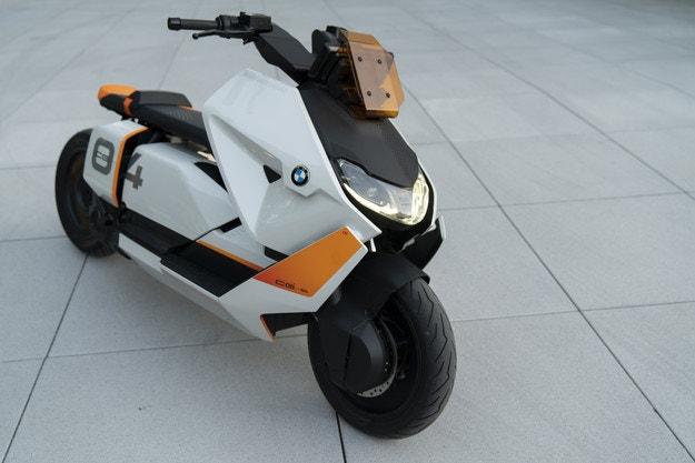 BMW Motorrad представя елекрически скутер