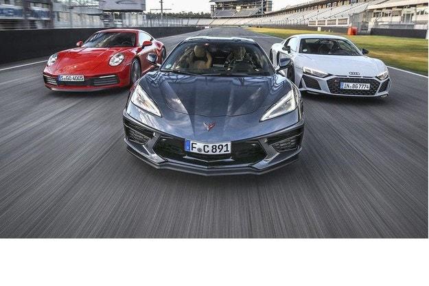 Corvette Stingray, Audi R8 и Porsche 911