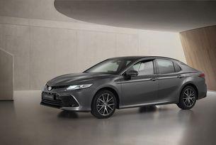 Camry Hybrid предлага по-динамичен дизайн