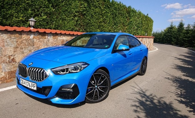 BMW 220d Gran Coupé: Синьо лято