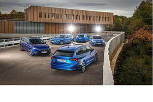 Seat Leon, Skoda Octavia, Ford Focus Turnier, Kia Ceed SW и Peugeot 308 SW