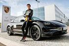 Шампион говори за нов високопрохидим Porsche