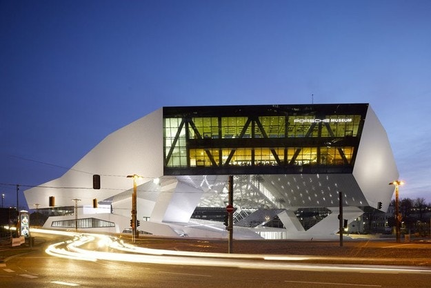 Посещение на музея на Porsche с дрон