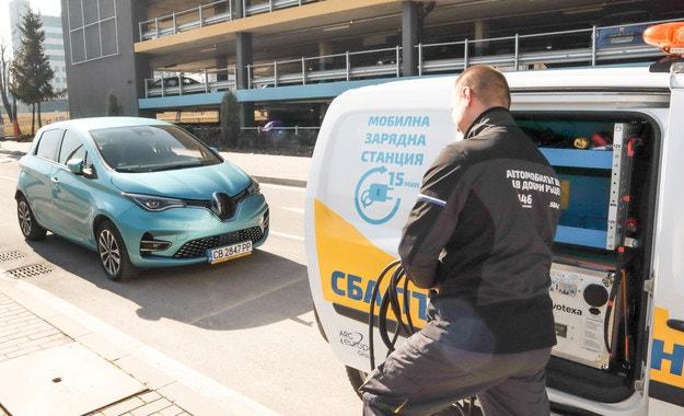 Renault България си партнира със СБА