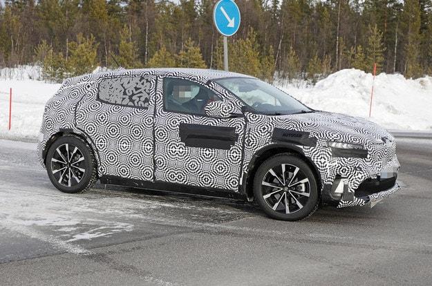Renault Megane eVision тръгна на пътни тестове