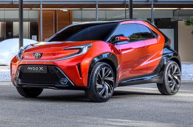 Toyota Aygo 2022: Здрав компактен кросоувър