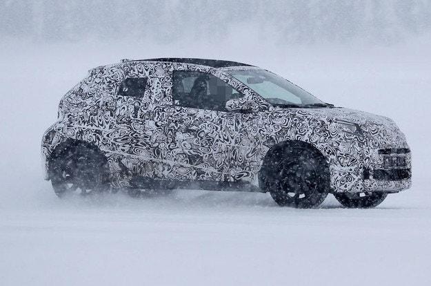 Наследникът на Toyota Aygo издебнат на зимни тестове