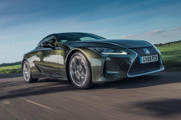 Lexus ще електрифицира спортните модели