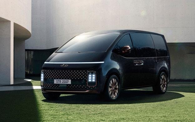 Всички подробности за минивана Hyundai Staria