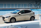 Mazda 2 с подобрен двигател и специална версия