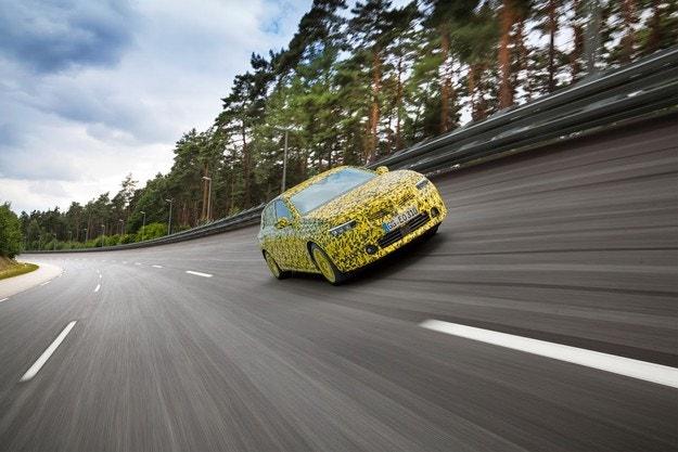 Финални тестове на новия Opel Astra