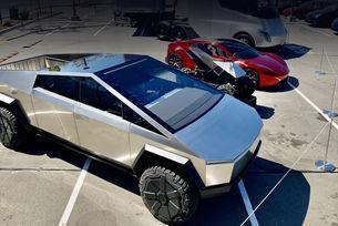 Tesla Cybertruck с напълно контролирано шаси