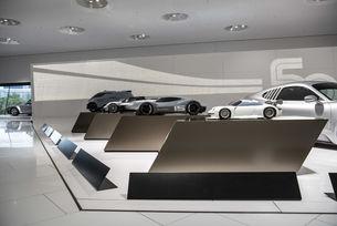"""Изложение """"50 години развитие на Porsche във Вайсах"""""""