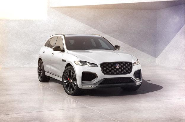 Jaguar F-Pace R-Dynamic Black с ново оборудване