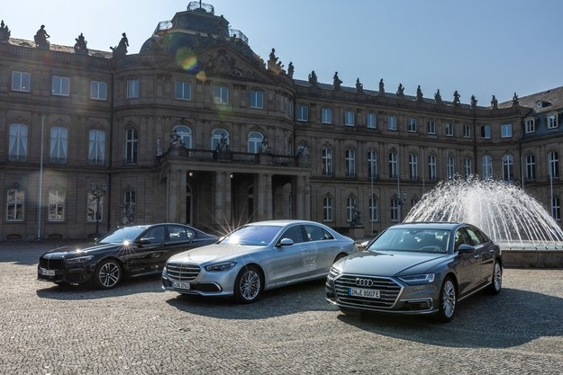 Mercedes S 500 срещу Audi A8 60 TFSI e и BMW 745e