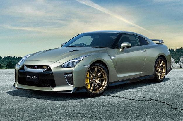 Подробности за две нови версии на Nissan GT-R