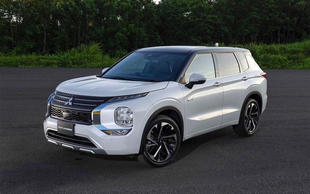 Mitsubishi разсекрети новия хибриден Outlander