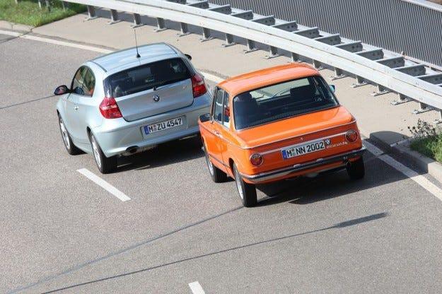 BMW 2002 tii срещу BMW 118i