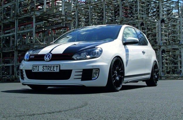 VW Golf GTI Street