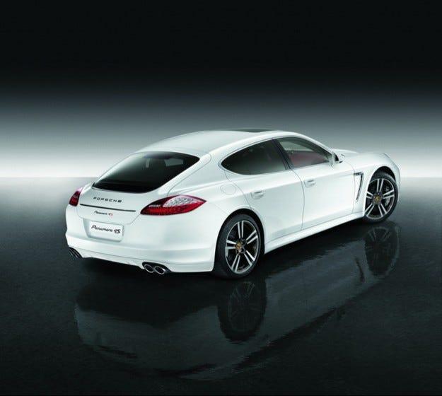 Porsche Panamera 4S Exclusive Middle East Edition