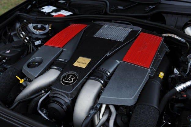 BRABUS V8