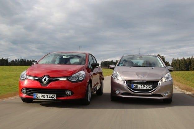 Renault Clio срещу Peugeot 208
