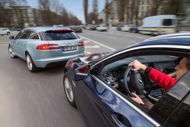 BMW 520d Touring срещу Jaguar XF Sportbrake 2.2D